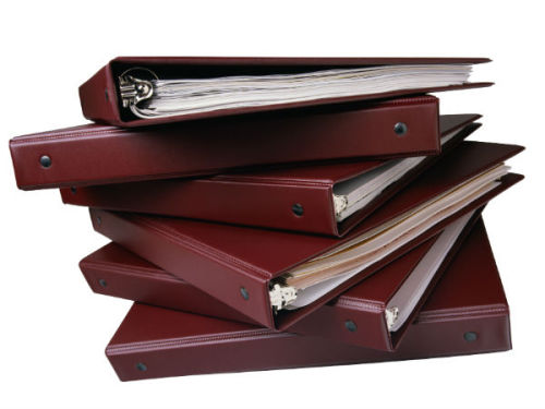 NEWSFLASH: Mitt Romney didn't put any women in binders.
