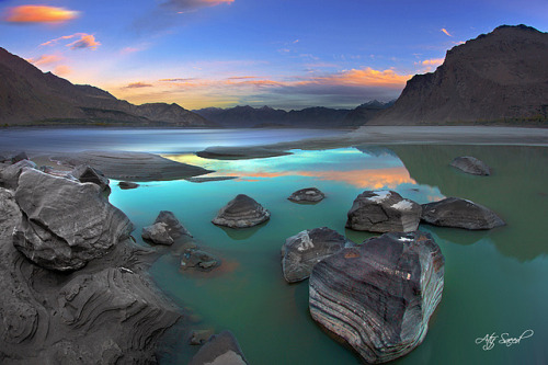 neptunesbounty:  Magic Moments.. by M Atif Saeed on Flickr.