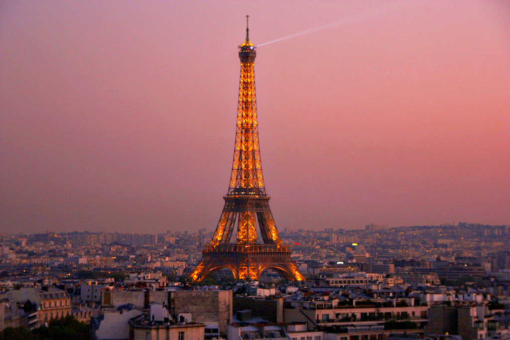 1000graces:  Paris Twilight (by aebphoto)