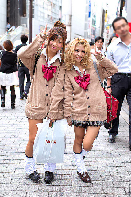 Kogal Style, Shibuya by tokyofashion on Flickr.Via Flickr: These friendly Japanese girls are doing their part to keep the kogal style alive. Been seeing less full-on gals lately in Shibuya, so always happy to see girls like this supporting the culture.