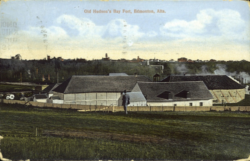 Old Hudson's Bay Fort, Edmonton, Alberta, 1914.