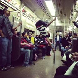 Reason #22 why I love where I live #nyc #mta #subway #metro #showtime #street #dance (at MTA Subway - 125th St (A/B/C/D))