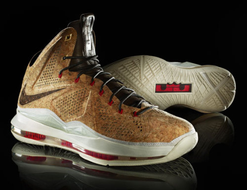 Nike LeBron X - Cork an interesting colourway of the Lebron X that takes the hyperfuse uppers and replaces it with Cork.  this will be part of a group of basketball signatures done up in a lifestyle form for Nike Sportswear. click here for more pics, and stay tuned for more info