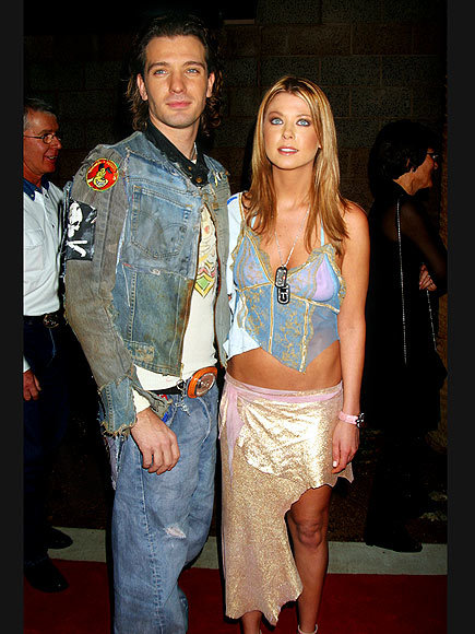 oldloves:  J.C. Chasez & Tara Reid, 2002  Lord knows I love me some drugs, but everything going on here makes a pretty compelling argument against them.