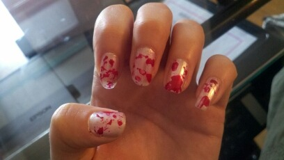 Beauty Wednesday!Blood Splatter Nails!❧Start with a white base all over the nail❧Grab your favorite shade of blood red and a straw. ❧lotion all around the nail so clean up is easier. The dip the straw in the red and blow it violently onto your nail! ❧Wipe off the excess all around your nail and VOILA! You have evidence! lol