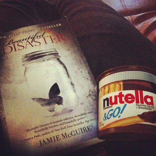 brstone:  Yes please :) #reading #book #nutella