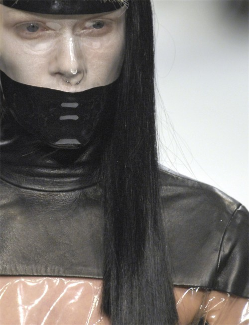scarymansion:  gareth pugh AW 2007