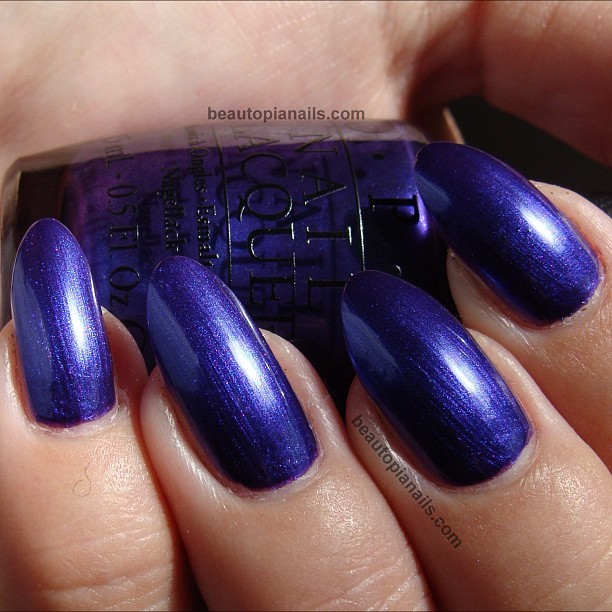 #opi #skyfall Tomorrow Never Dies. The only one I couldn't pass up from this collection. And it doesn't disappoint  #beautopianails