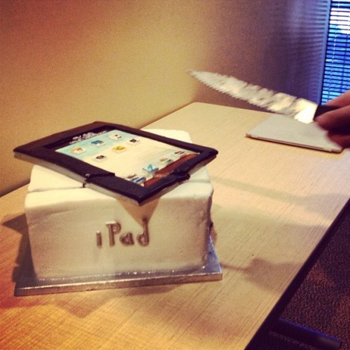 #ipad #cake #murder #knife