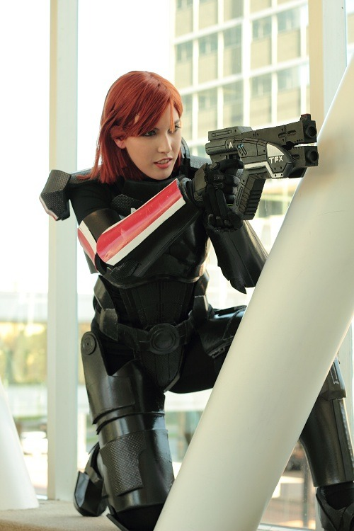 Reblog Time! Commander Shepard from Mass Effect 3  Source: fuckyeahbiowarecosplay Cosplayer: Meaghan McCormack [DA | FB]Photographer: Kenneth Elrod [DA | FB]Armor by: hoihoisan