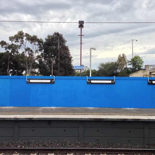 Blue. #altmelb #melbourne #documentingspace #rrl #pt #station #metro #sunshine #pc3020  (at Sunshine Station)