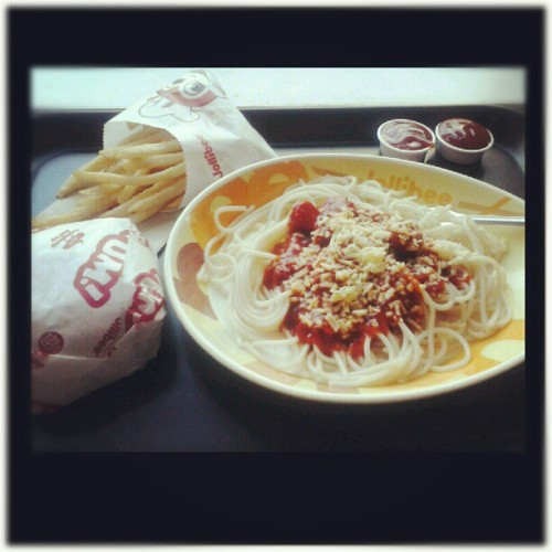 Jollibee spaghetti… yeah I deserve you for today's OT~  #alltimepaborito #classic #kid4ever