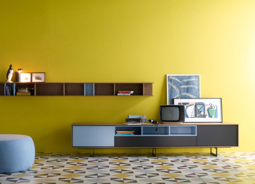 Extraordinary! Treku Aura C_3 Sideboard and Wall Unit (Tumblr Source: www.midcenturymodernfreak.tumblr.com/post/33776185826) (Original Source: www.atomicinteriors.co.uk/product/treku-aura-c_3-sideboard)