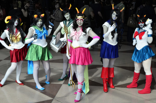NYCC - Sailorstuck Group ♈ -Aradia ♌ - Nepeta ♍ - Kanaya ♓ - Feferi ♏ - Vriska ♎ - Terezi Group shot from the Sailorstuck shoot! Individual shots/set to come~  Photography