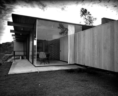 1958 Fields House (Case Study House #18) | 1129 Miradero Rd Beverly Hills, CA 90210 | Architect: Craig Ellwood Via