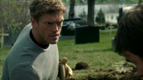 TV Show: Haven Episode: 301 (Season 3, Episode 1) Air Date: 9/21/2012 Wrestler(s) captured: Edge (as Dwight Hendrickson) IMDB Page: Haven - 301
