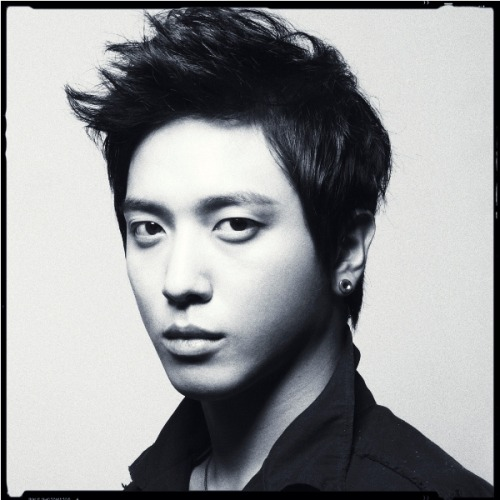 Yonghwa - In my Head (Official photo) 2011.10.19 - 4th Japanese Single
