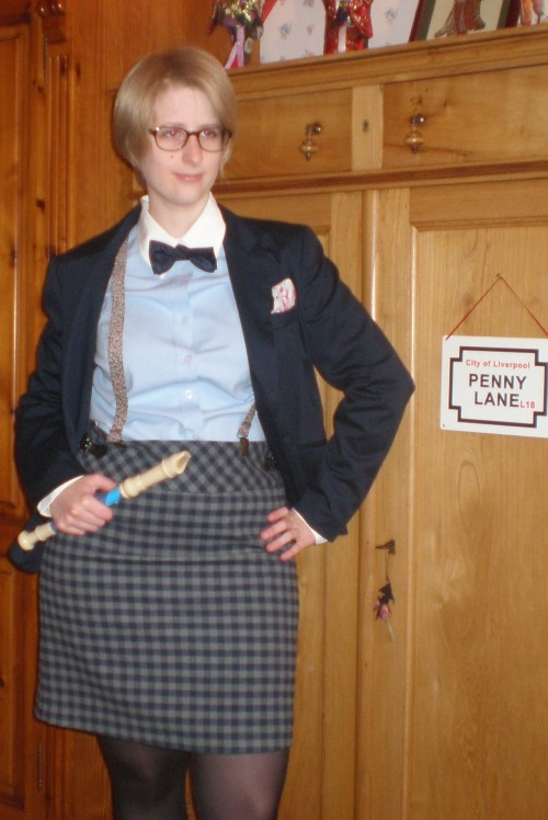 It's my Second Doctor genderswap Cosplay, for the FACTS convention, in Belgium, Saturday 20th. Complete info (in french and netherlands: http://doctorwhoclassicfr.hautetfort.com/archive/2012/10/18/facts-2012-c-est-samedi.html )
