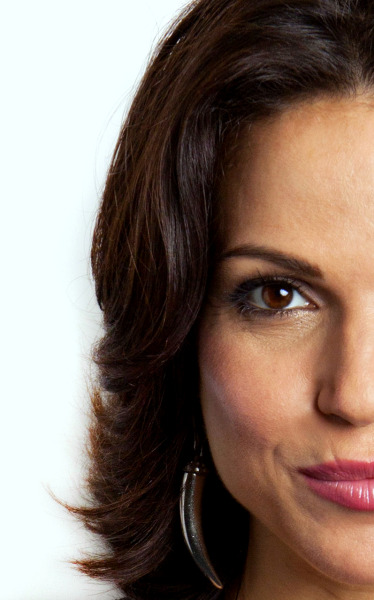 absedarian:  Lana Parrilla photographed by Amy Sussman (whole shoot here)