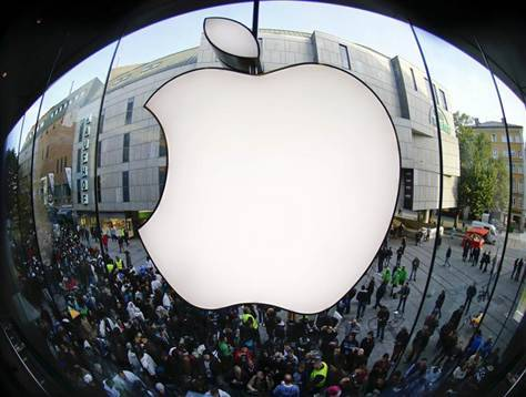 "breakingnews:  Apple loses Samsung copyright battle Reuters: Apple Inc lost its appeal over a ruling that its rival Samsung's Galaxy tablet did not copy the iPad in a British court on Thursday. The world's two leading smartphone makers are fighting over patents, both for smartphones and for tablets, in courts around the world. The Court of Appeal upheld its judgment that despite some similarities, Samsung did not infringe Apple's design, in part because its products were ""not as cool"" as the iPad. Photo: Customers gather outside an Apple store before the release of iPhone 5 in Munich early September 21, 2012. (Reuters/Michael Dalder)"