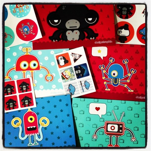 #cards and #stickers by @snyart #robot #robots #illustration #drawning #monster #kawaii #kawaiioftheday #graphic #design #cute #child #childhood (at Pure)