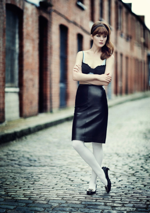 Downton Abbey's Lady mary steps forward to the 1960s. Read more on Michelle Dockery's transformation here