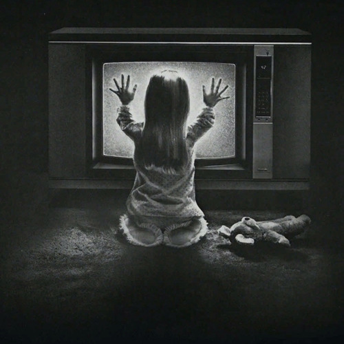 totalfilm:   Sam Raimi is set to direct the Poltergeist remake Sam Raimi has produced a considerable number of horror films and remakes in recent years, and it looks as thought the Evil Dead and Drag Me To Hell director will be returning to the genre with the Poltergeist remake…
