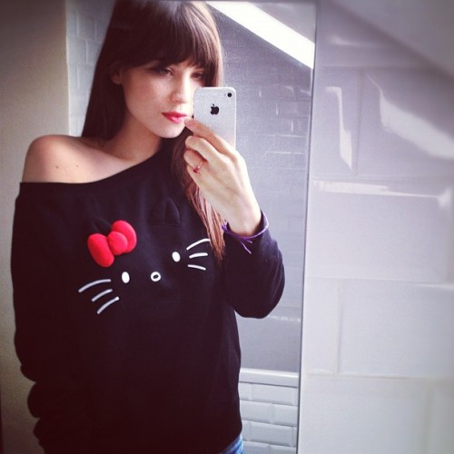 Not a big fan of Hello Kitty but gah I want that sweater.