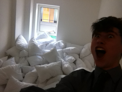 fuckyeahlaughters:  georje: I FOUND A WHOLE ROOM FULL OF PILLOWS I AM ABOUT TO HAVE THE MOST FUN I WILL PROBABLY EVER HAVE  …I want a room full of pillows, I really really do