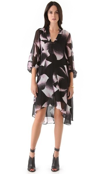 I love the print and the cut on this bump-friendly DVF dress. Though with a baby on the way, $400 dresses are a little out of my budget. Sux.