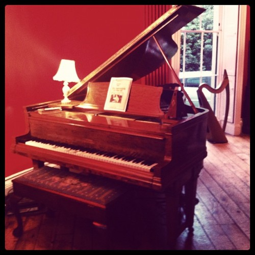 In 5 hours I will be live blogging from this piano as today is release day for #YKWTFM - join me? immi.fm/YKWTHO