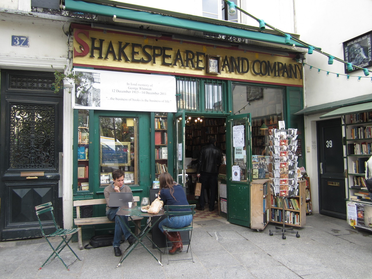 noseinabook:  Shakespeare & Company, Paris. Read more here.