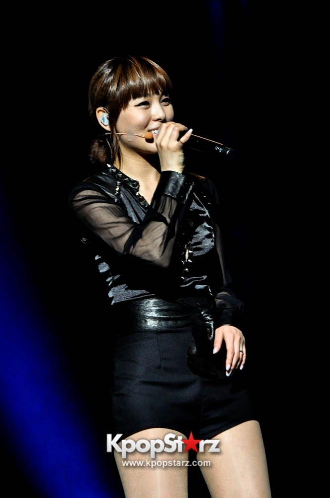 Wonder Girls Sunye Looks Sharp in Malaysia Wonder Tour [10 PHOTOS]  (via KpopStarz)