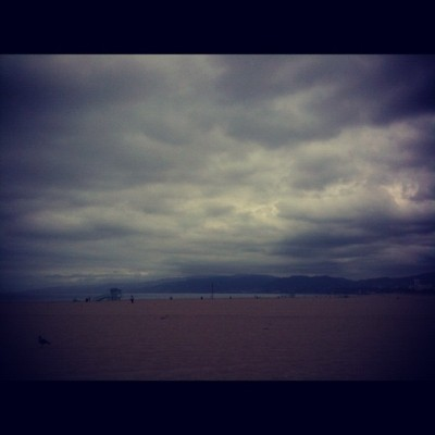 Finally a cloudy day… Perfect #Goonies watching weather (at Venice Beach)