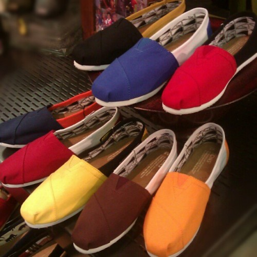 Just in: Collegiate TOMS! @toms_shoes #TOMS #collegesports #collegiate #shoes #abbadabbas #little5points #l5p