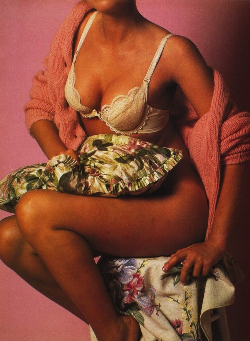 80s-90s-supermodels:  Lei Italia, October 1984Photographer : Bruce Weber