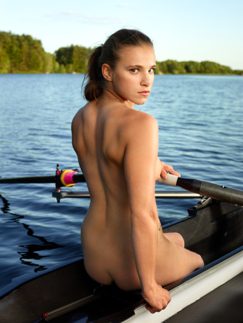 babesandboats:  Go rowing with Beautiful Boating Babes at http://babesandboats.tumblr.com/