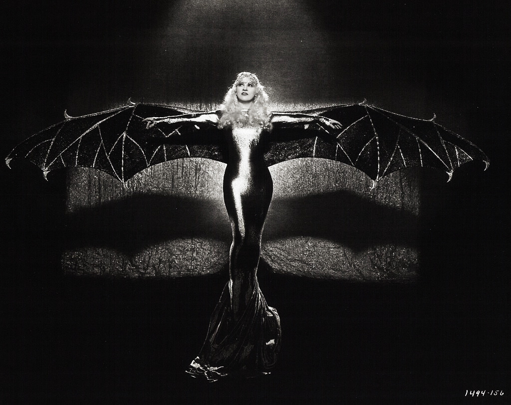 vintagegal:  Mae West c. 1934