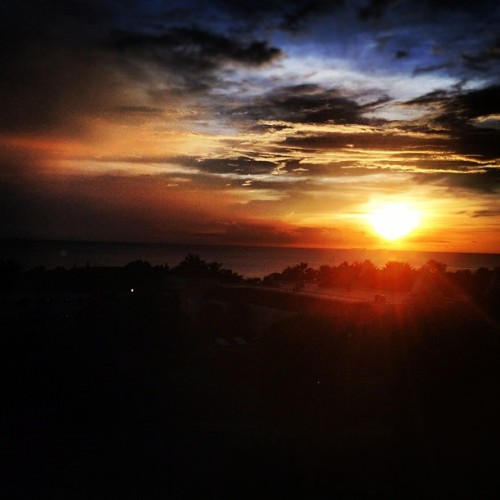 Good night #Curaçao ! #sunset #sky #beautiful #iphonesia #instadaily #instagood #caribbean