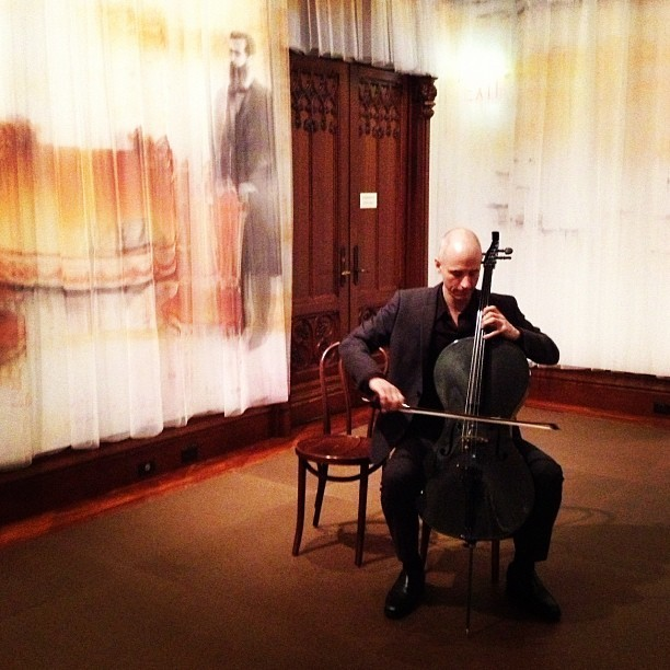 Erik Friedlander warming up for his performance in #crossingborders (at The Jewish Museum)