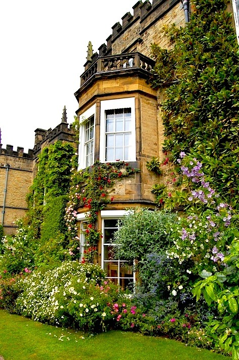 | ♕ |  The Renishaw Hall - Derbyshire, UK  | by © buildings fan