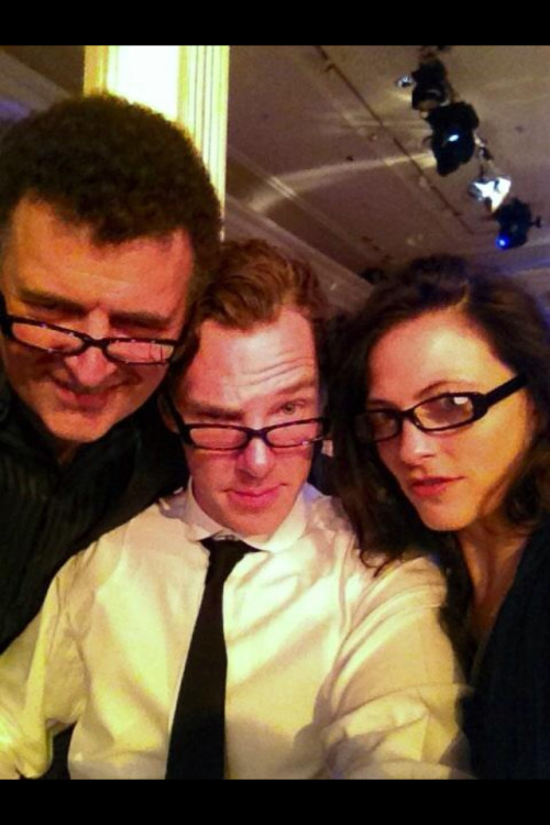 belovedmuerto:  ladyt220:  cravingcumberbatch:  http://twitter.com/larapulver/status/259062824112906240/photo/1 Are those Bennys glasses?! Or do Specsavers really put glasses in their goody bags?! (Which I think is more likely lol!)  As they all match, I'm going for option 2 there…  *dies* *is ded*  I really hope they were from a goodie bag, because as I said in a chat, if he actually needs specs now and starts wearing them regularly, I am never ever going to get anything done ever again. Seriously, Benedict in glasses does unspeakable things to my nethers.