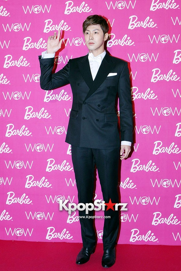 TVXQ Yunho Sleek Charm Wins at 'Barbie&Ken' Awards   (via KpopStarz)