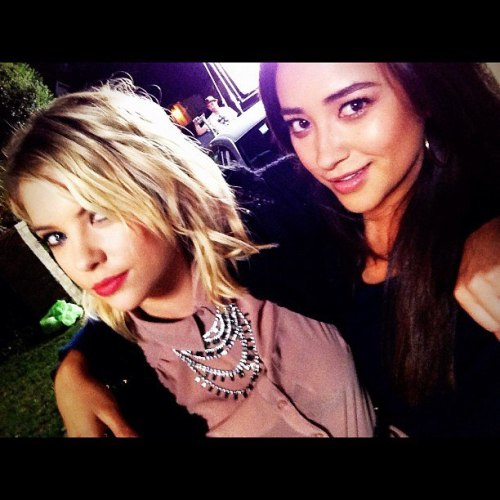 Shooting with Benz (Ashley Benson) Pretty Little Liars Set <3 #Shayley