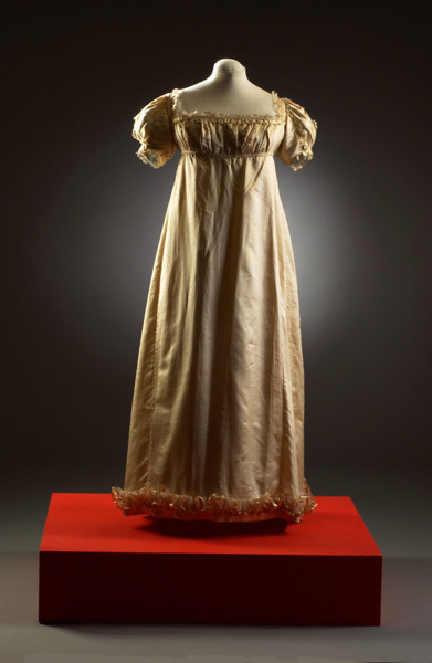 Evening dress, 1812-16 From the Fashion Museum