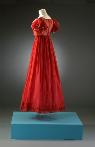 Evening dress, 1818-22 From the Fashion Museum
