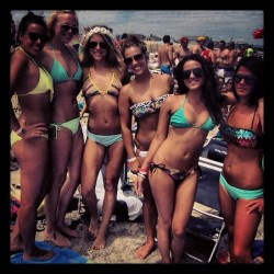 Remember when it was summer? #timeflies #summer #fall #beach #betches #memories #fun #friends #boozing #chicks #love #donovans