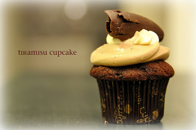 cupcake - tiramisu by Ann McLeod Images on Flickr.