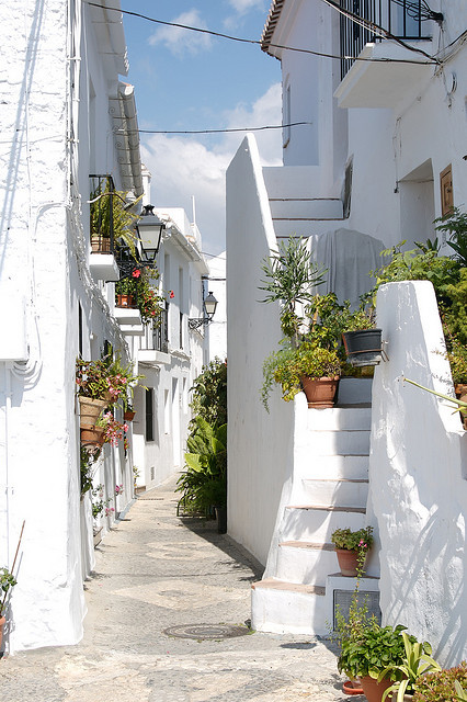 visitheworld:  Beautiful white streets of Frigiliana in Andalusia, Spain (by amorimur).