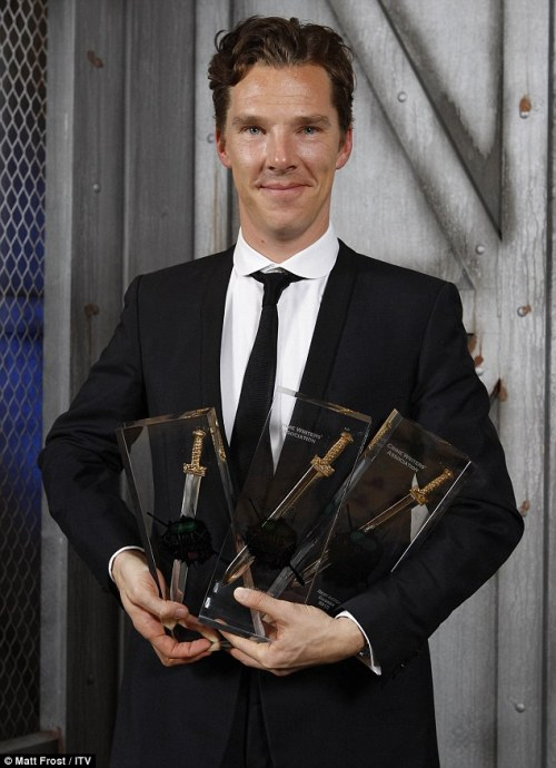 Winning is elementary: Benedict Cumberbatch helps Sherlock score three gongs at the Crime Thriller Awards Read more: http://www.dailymail.co.uk/tvshowbiz/article-2220066/Benedict-Cumberbatch-helps-Sherlock-Holmes-score-gongs-Crime-Thriller-Awards.html#ixzz29jtaciar      I didnt know Martin was there!